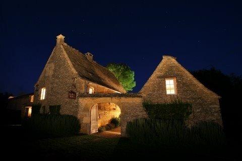 5 stars villa de vacances magnifique- tout confort- de 4 à 10 personnes, holiday rental in La Chapelle-Aubareil