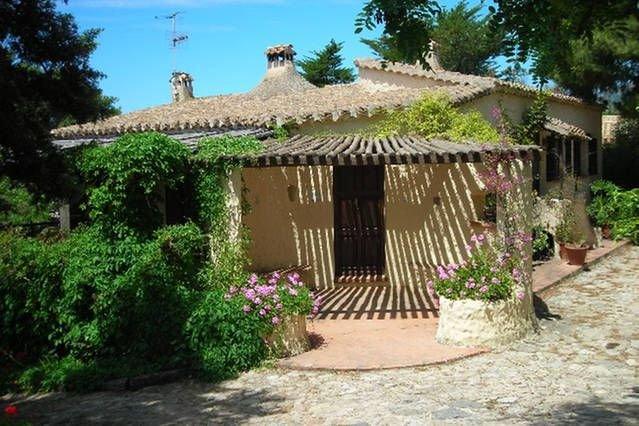 Villa con giardino privato in condominio signorile custodito Cod. IUN P5726, location de vacances à Solanas