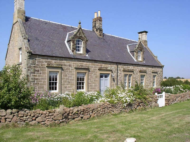Beautiful Stone Cottage - A Unique Rural Retreat In The Scottish Borders, holiday rental in Duns