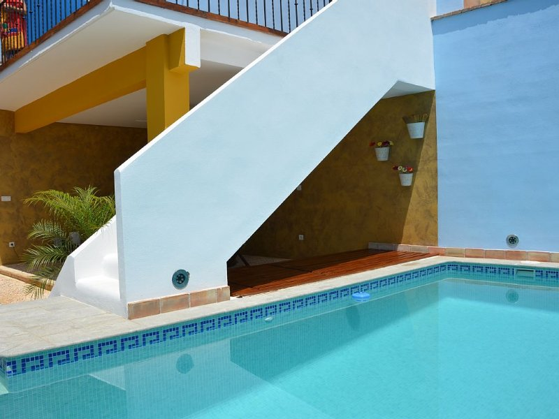 Exclusive holiday home with private pool and barb, vacation rental in Manuel