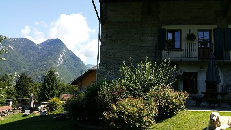 Cosy Country House in quiet village, holiday rental in Gilly-sur-Isere
