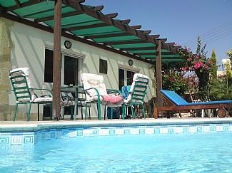 Detached Villa with Private Pool, vacation rental in Peyia