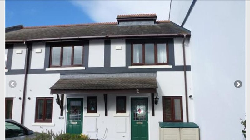 Conwy Marina Two bedroom house. Private off road parking for 2 cars, vacation rental in Conwy
