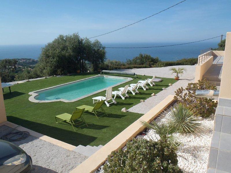 Superbe villa neuve dotée d'une vue mer piscine+spa de luxe jusqu'à 21 personnes, location de vacances à Pigna