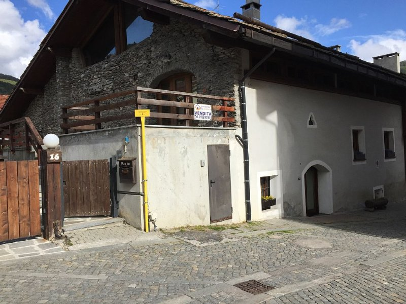 La Casa del Borgo è una classica casa di montagna, molto accogliente e calorosa, holiday rental in Melezet