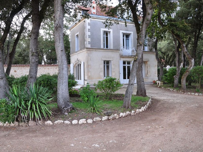 Maison de caractère avec accès direct à la plage, location de vacances à Fouras