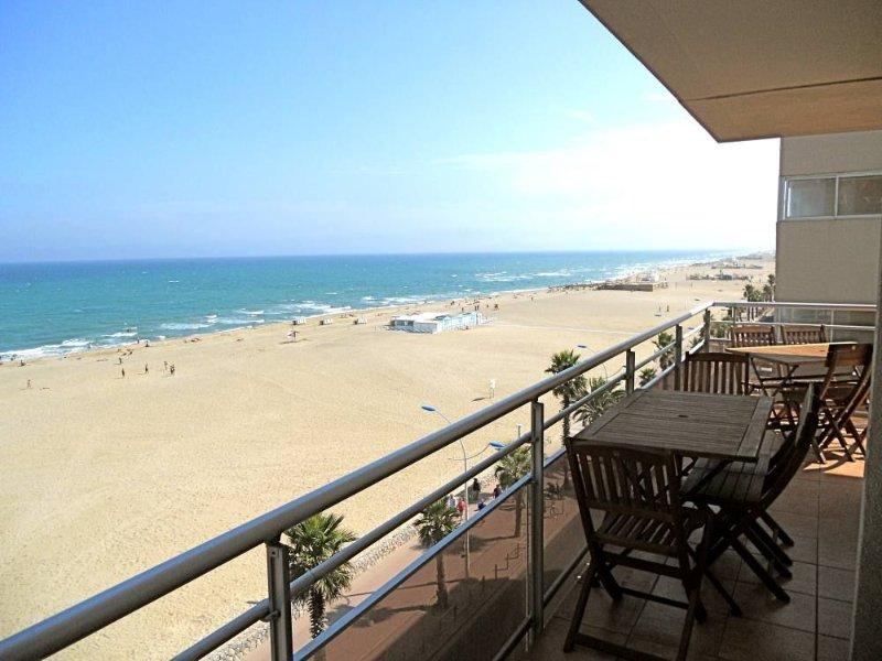 appartement dans résidence, 5ème étage vue mer, holiday rental in Canet-en-Roussillon
