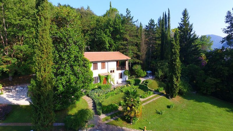 Dimora Valleprata – Country house di charme – con esclusiva vista sull'incantato, vacation rental in Labro