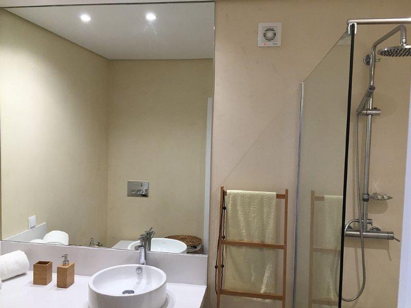 WC mit Duschwanne