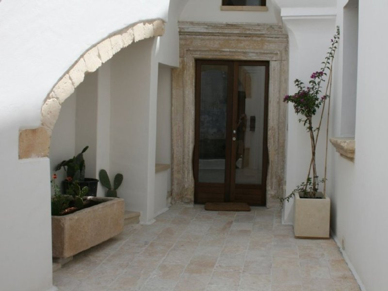 Luxurious holiday home rental in historical old town apartment, Puglia, holiday rental in Galatone