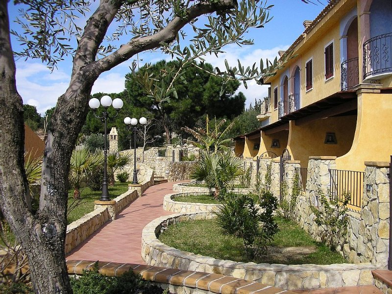 Exceptional Apartment Near Cagliari By The Sea, location de vacances à Quartu Sant'Elena