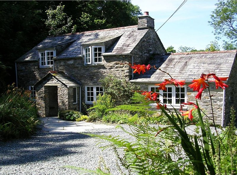 Cornish Cottage. Set In 7 Acres With Trout Fishing, Boscastle, North Cornwall., holiday rental in Boscastle