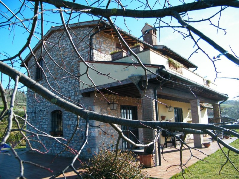 Enchanting countryhouse,with private swimmingpool,WiFi,wonderful landscapeUMBRIA, vacation rental in Grutti