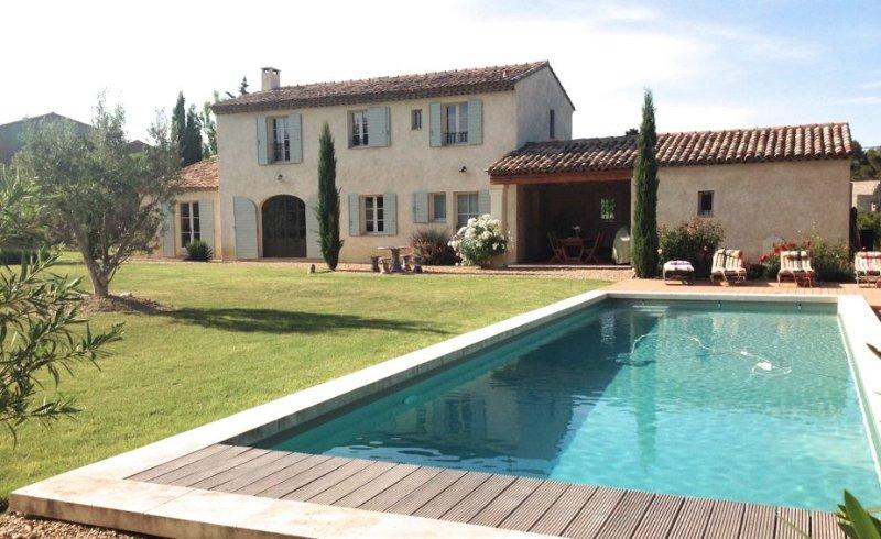Villa de Standing 'le Mas des Galets', à St Rémy de Provence - 6/8 personnes, Ferienwohnung in St-Rémy-de-Provence