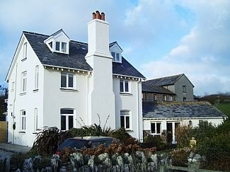 Situated Above Soar Mill Cove With South Devon Coastpath On Your Doorstep, vacation rental in Salcombe
