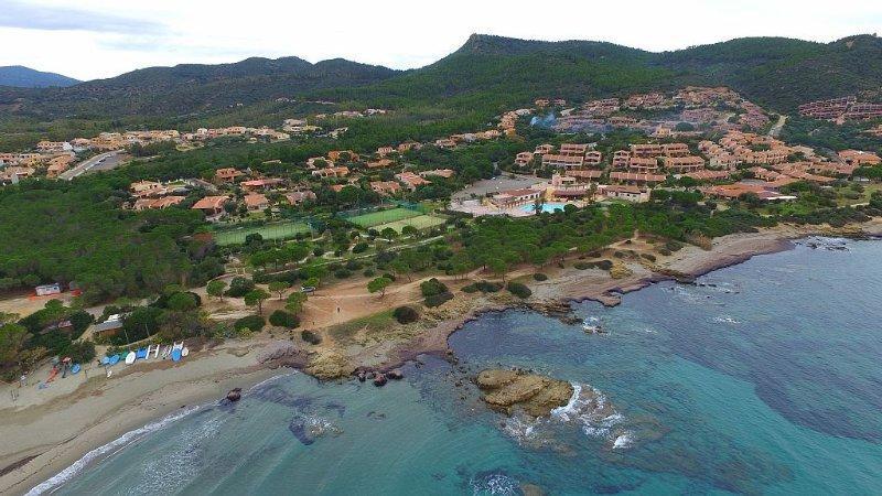 villetta porto corallo a 50 mt dal mare, vacation rental in Villaputzu