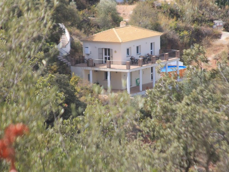 Villa with pool near Comares,tranquil rural getaway,stunning views.2 bedrooms, holiday rental in Comares