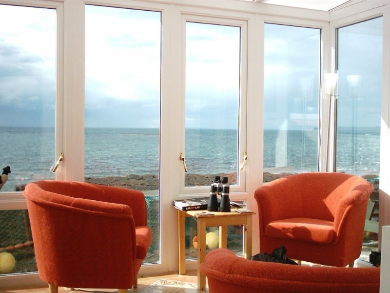 Shorehaven Holiday Rental, On sea shore, Quilty, west Clare – semesterbostad i Spanish Point