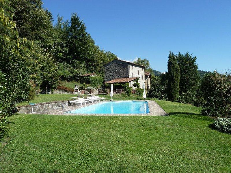 Wonderful, rustic farmhouse with pool, games room and breathtaking views. – semesterbostad i Fosciandora