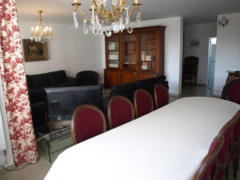 appartement dans résidence de Standing, aluguéis de temporada em Estrasburgo