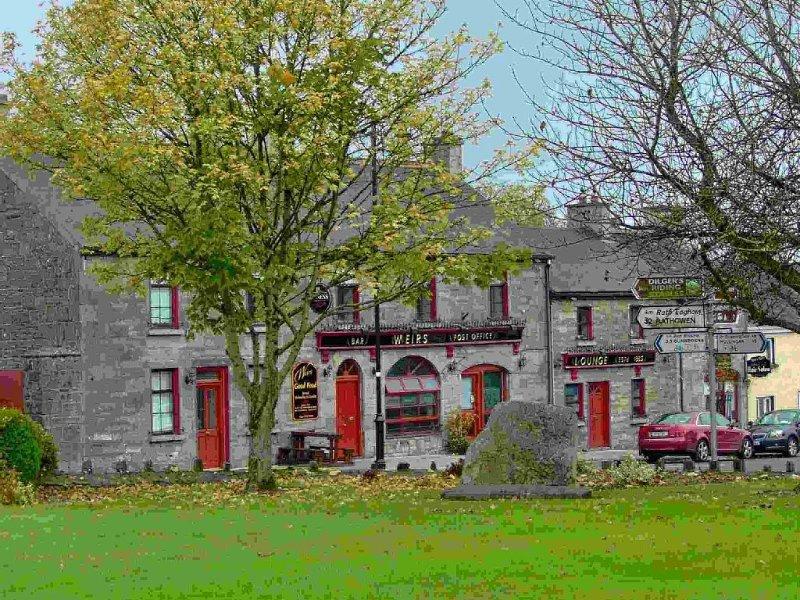 Delightful village retreat in the heart of Multyfarnham - 1 hour from Dublin, Ferienwohnung in Multyfarnham