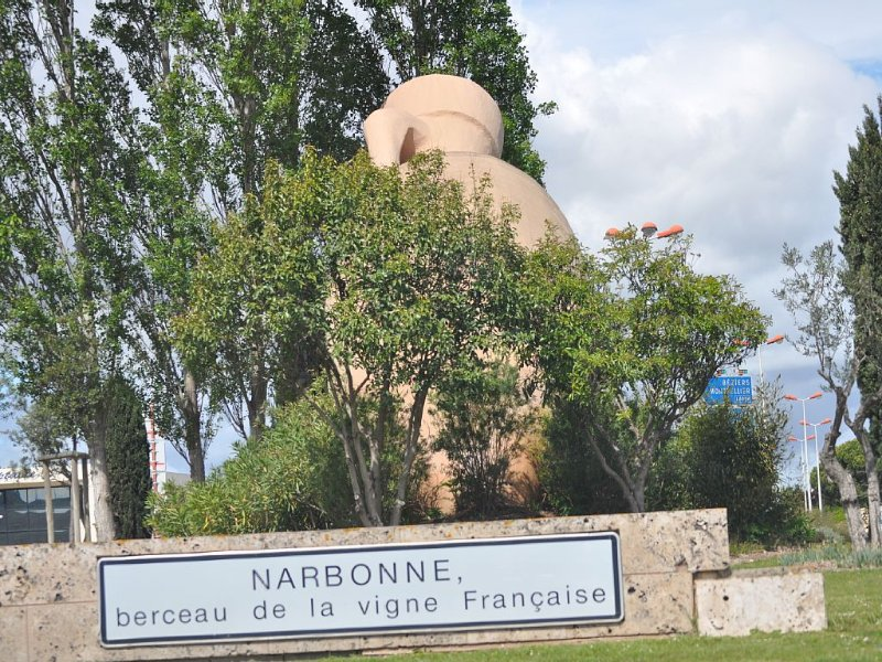 Welcome to Narbonne and its vineyards