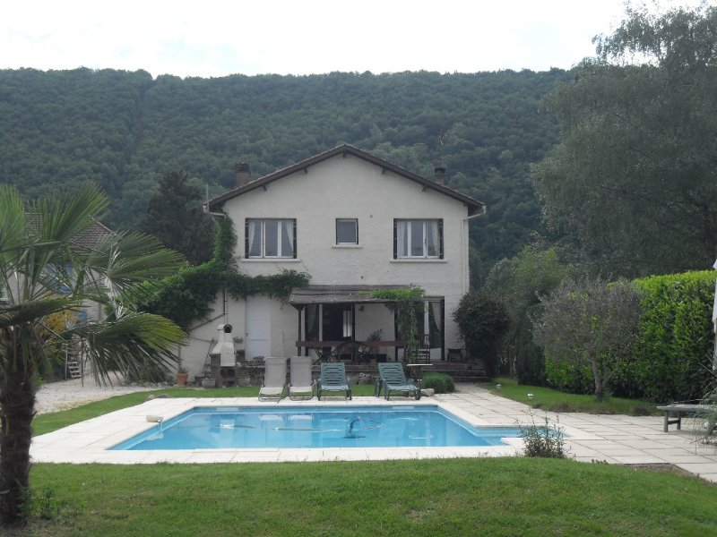 Family home with swimming pool near Souillac in the Dordogne valley, alquiler vacacional en Loupiac