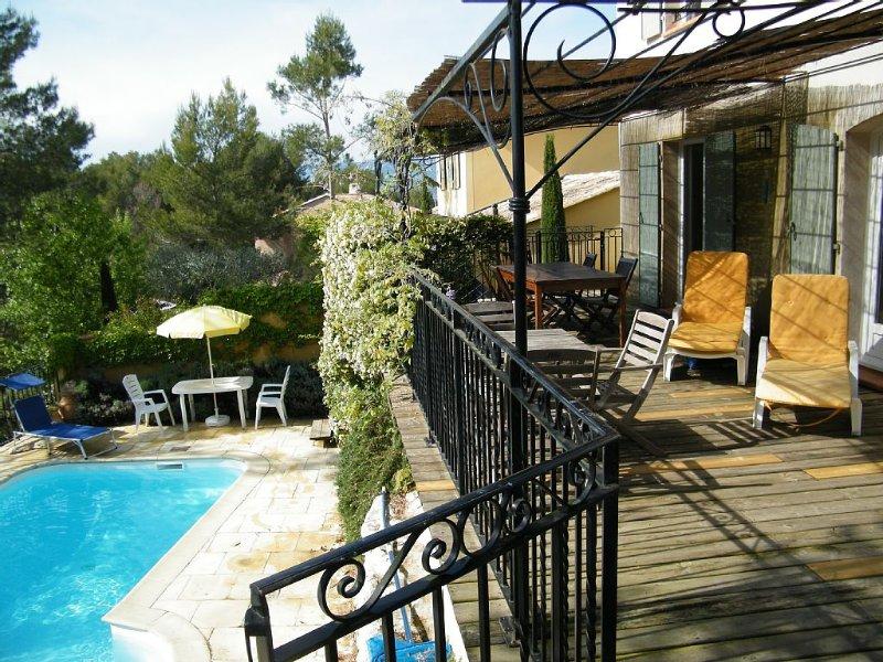 Delightful villa - private pool in secure estate with International golf course – semesterbostad i Porquerolles Island