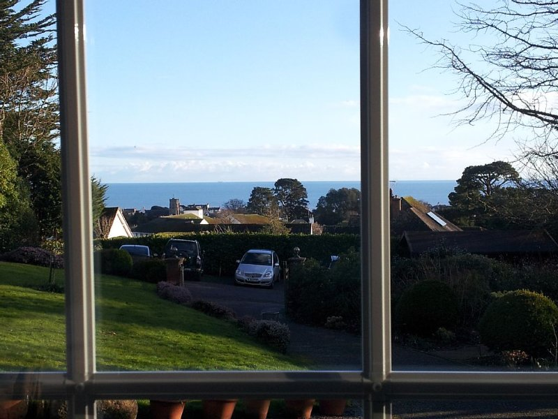 The Garden Studio: Sunny apartment with fabulous sea views, holiday rental in Sidford