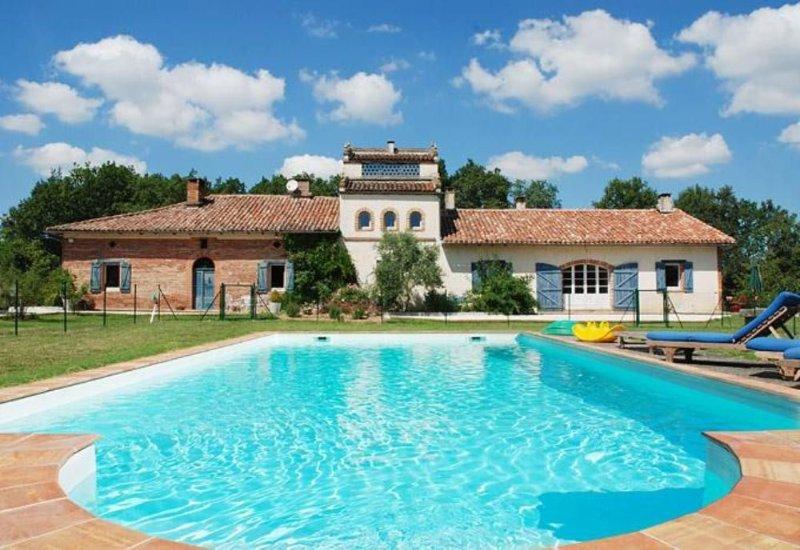 Maison de caractère en Tarn et Garonne, holiday rental in Meauzac