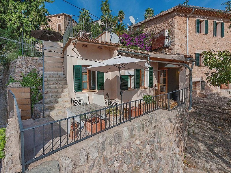 Amazing House in the village of Fornalutx......., holiday rental in Sa Calobra