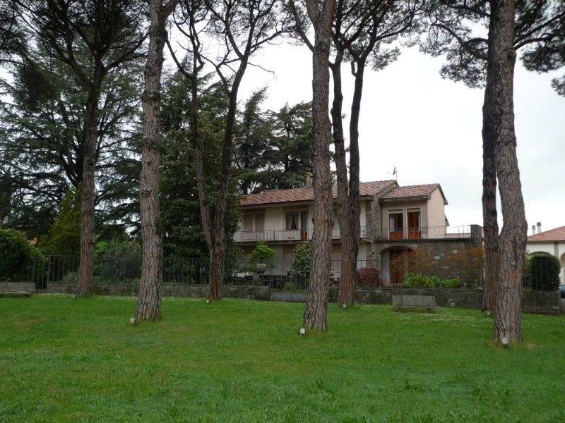 La villa vista di fronte.