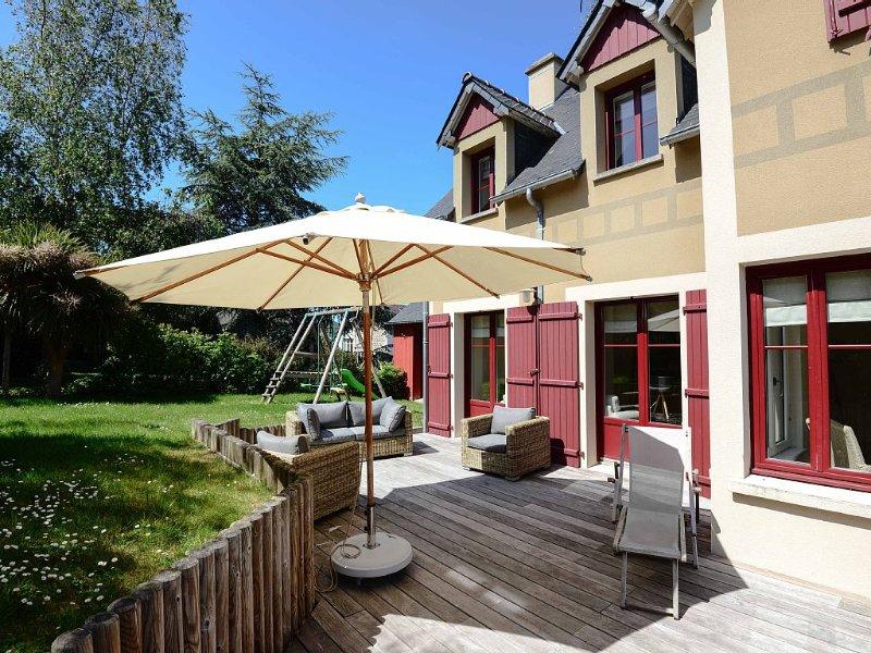 Maison d'Architecte, très confortable avec beaucoup de charme. 6 Chambres, vacation rental in Dinard