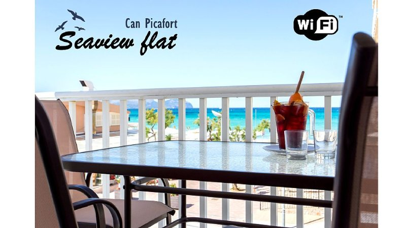 Can Picafort seafront flat. 6 pers. WIFI. A/C. Terrace in front of the sea., holiday rental in Ca'n Picafort