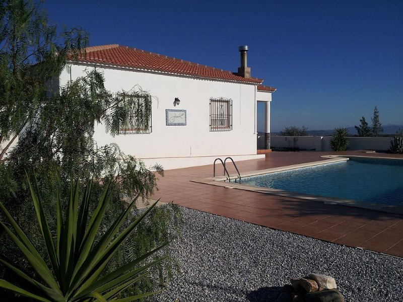 Rural Family Villa With 10m X 5m Pool, Large Private Garden And Mountain Views, holiday rental in Arboleas