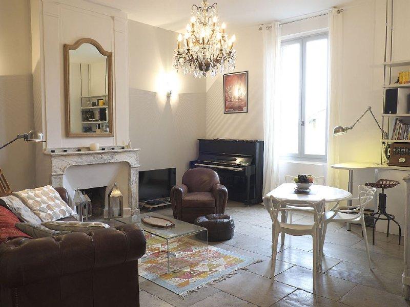 Le charme de l'ancien au coeur historique de Montpellier. Idéal pour musiciens., holiday rental in Montpellier