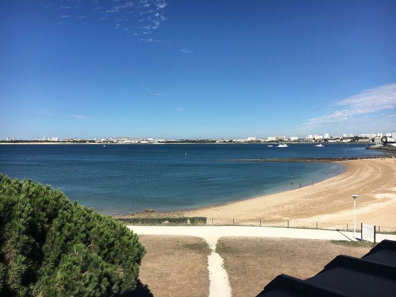 Appartement  avec vue mer et parc paysagé, vacation rental in La Rochelle
