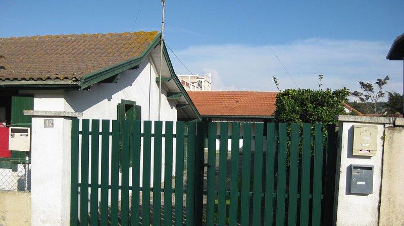 100 m de la plage, accès direct plage surveillés, maison familiale 10 pers., vacation rental in Mimizan