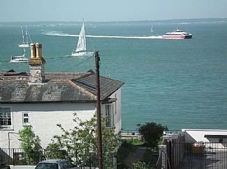 3 Bedroom House With Sea Views, vakantiewoning in Cowes