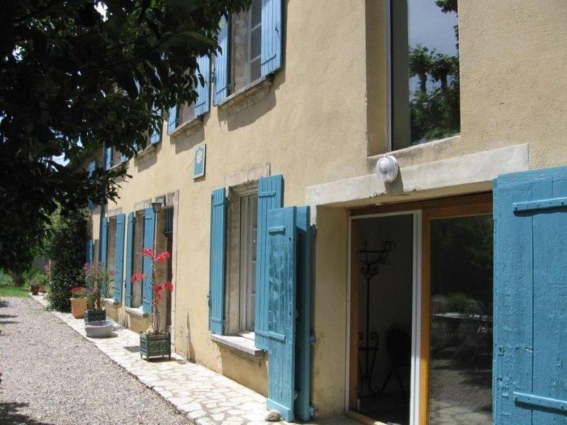 Appartement dans Mas Provençal à AVIGNON, location de vacances à Avignon