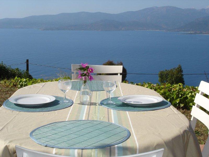 maison vue sur la mer, location de vacances à Calcatoggio