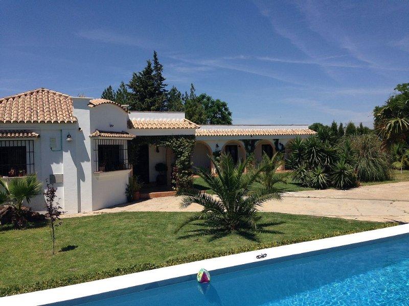Luxurious And Spacious Spanish Finca (Villa) With Private Pool Near Seville, alquiler de vacaciones en Sanlúcar la Mayor