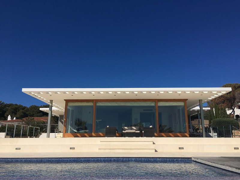 Villa in Binibeca Menorca Balearic Islands just a 10 minute walk to the beach, holiday rental in Biniancolla