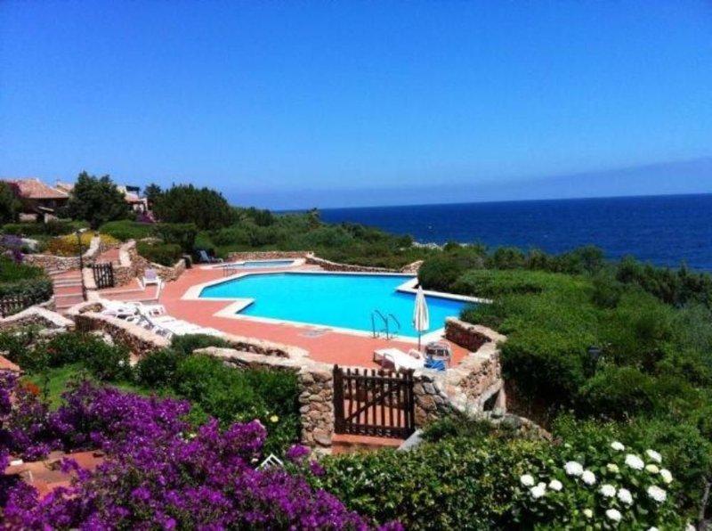 Appartamento in splendido residence con piscina a Porto Rotondo in Sardegna, aluguéis de temporada em Porto Rotondo