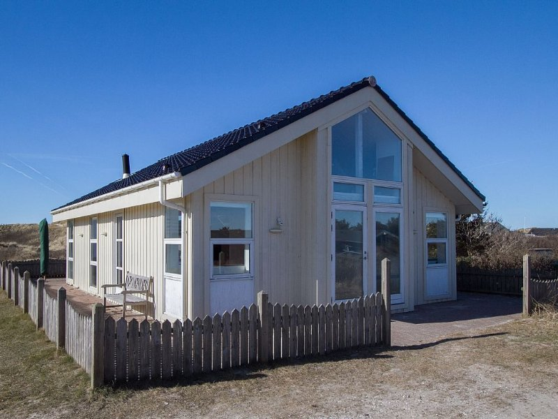 HOLIDAY OF FIRST KLIT ROW BY BLOKHUS BEACH, Ferienwohnung in Fjerritslev