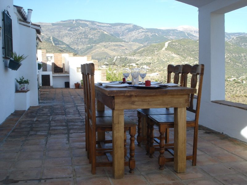 Attractive rustic Finca with stunning views of th, holiday rental in Archez