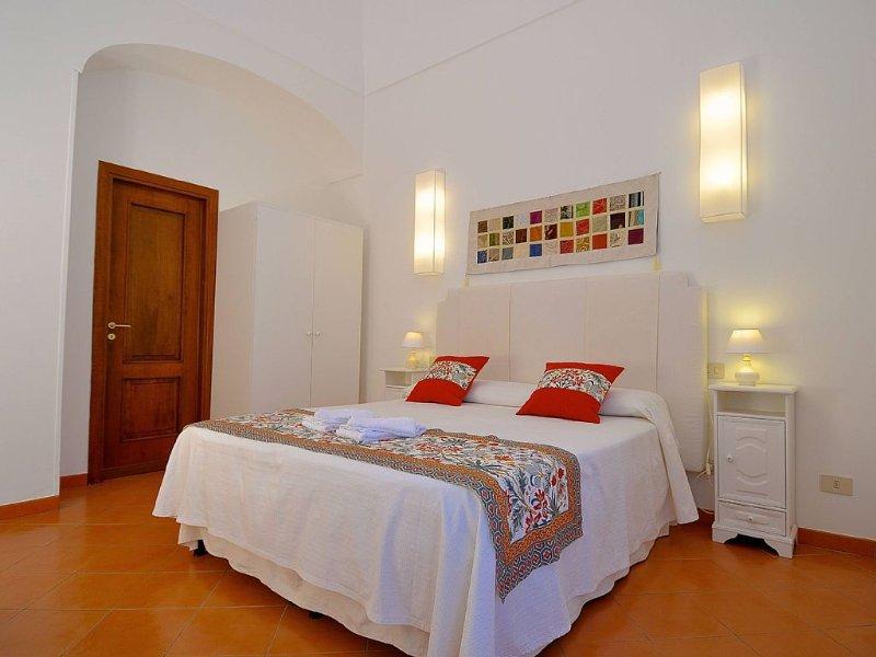 Stylish Apartment - Minori, aluguéis de temporada em Minori