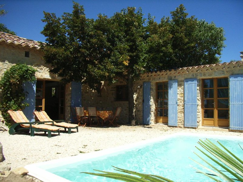 Character house near Uzes, holiday rental in Seynes