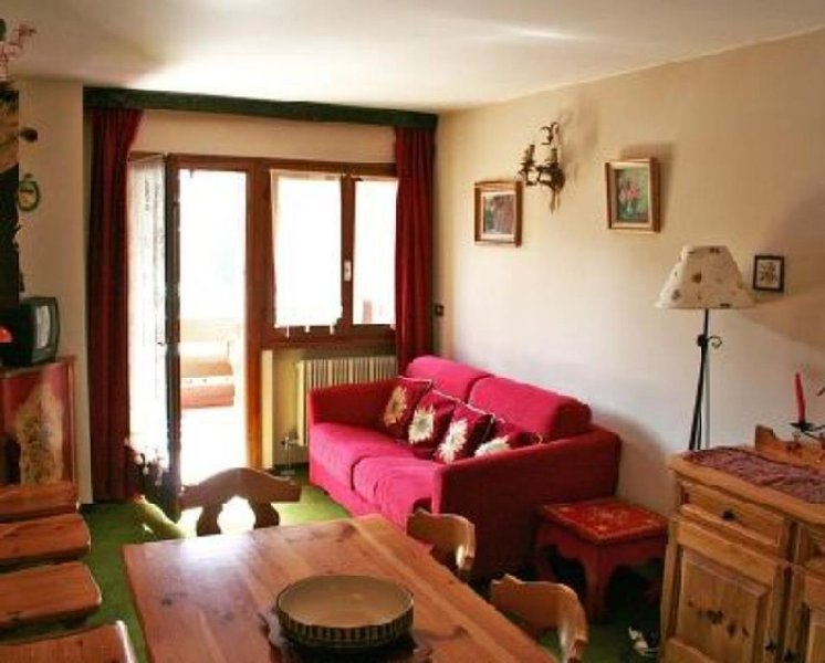 Accogliente appartamento in stile tirolese, holiday rental in Madonna Di Campiglio