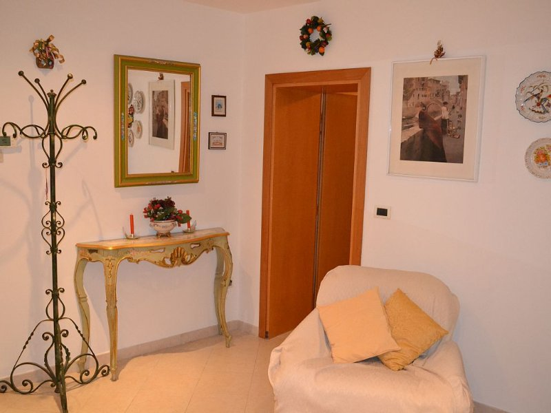 nouvel appartement rénové 4 pièces - 2/5 personnes, moderne et bien meublé. 8 mi – semesterbostad i Venedig